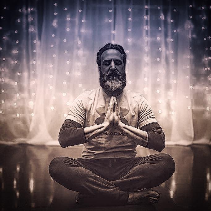 8 Benefits of Yoga for Men 1