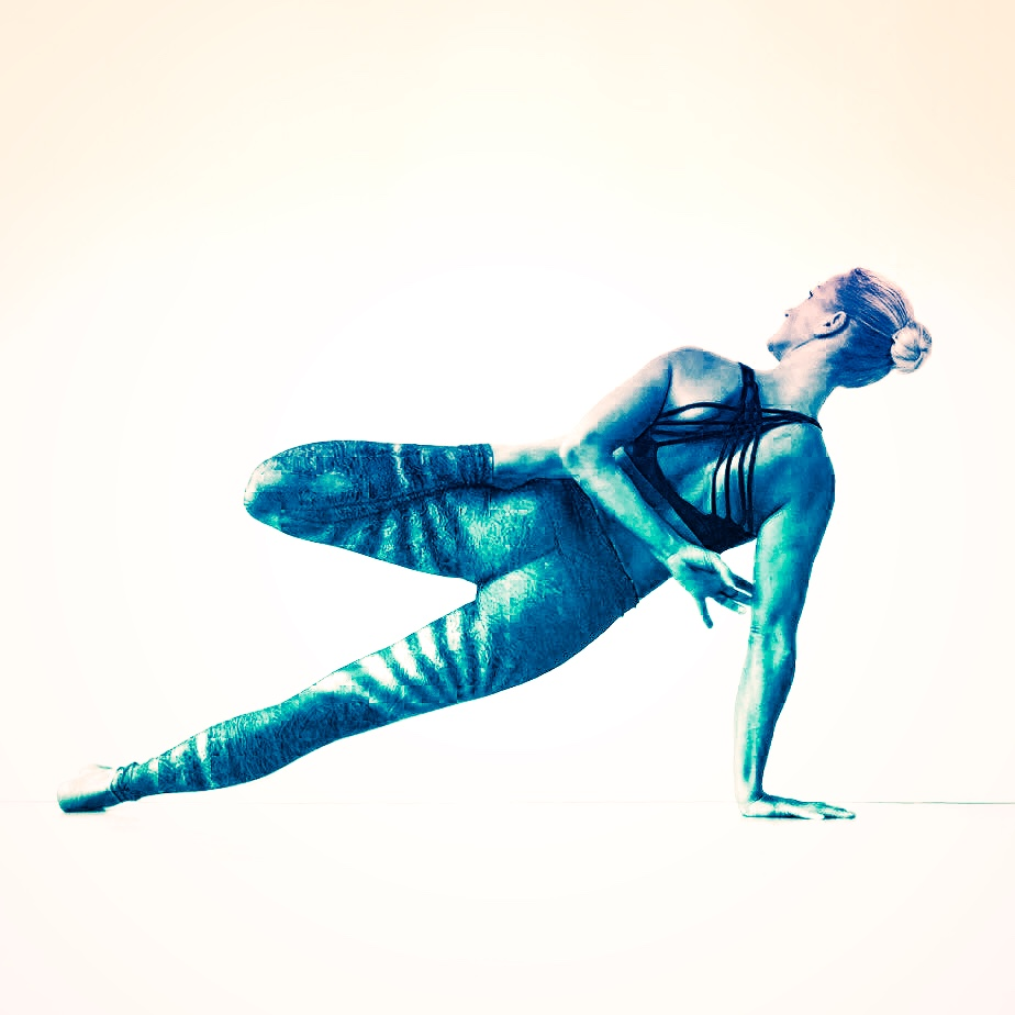 The Best Yoga Pose for Confidence Is One You Might've Already Been Doing Off the Mat 1